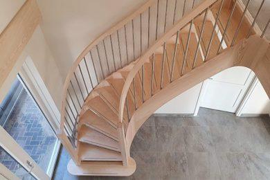 Moderne onderkwart trap