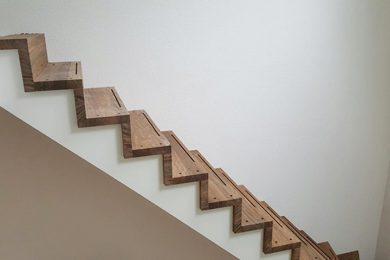 Rechte trap van hout