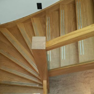 Onderkwart houten trap