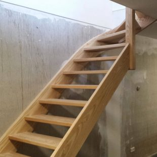 Houten bovenkwart trap